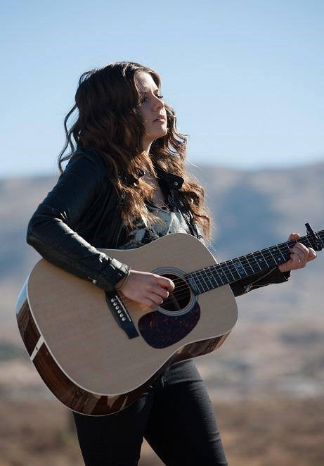 interview with singer songwriter and guitarist arielle on the music