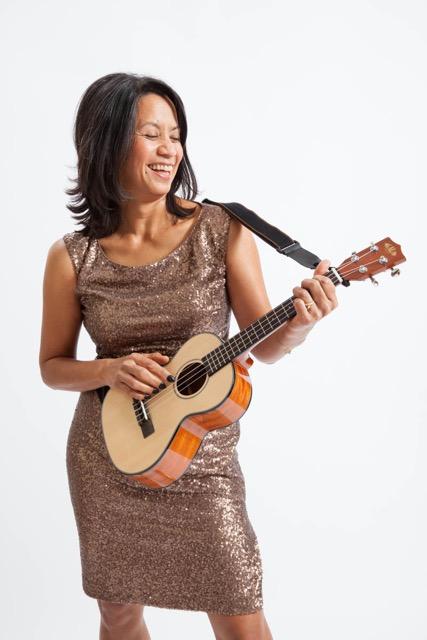 Evening dress short ukulele