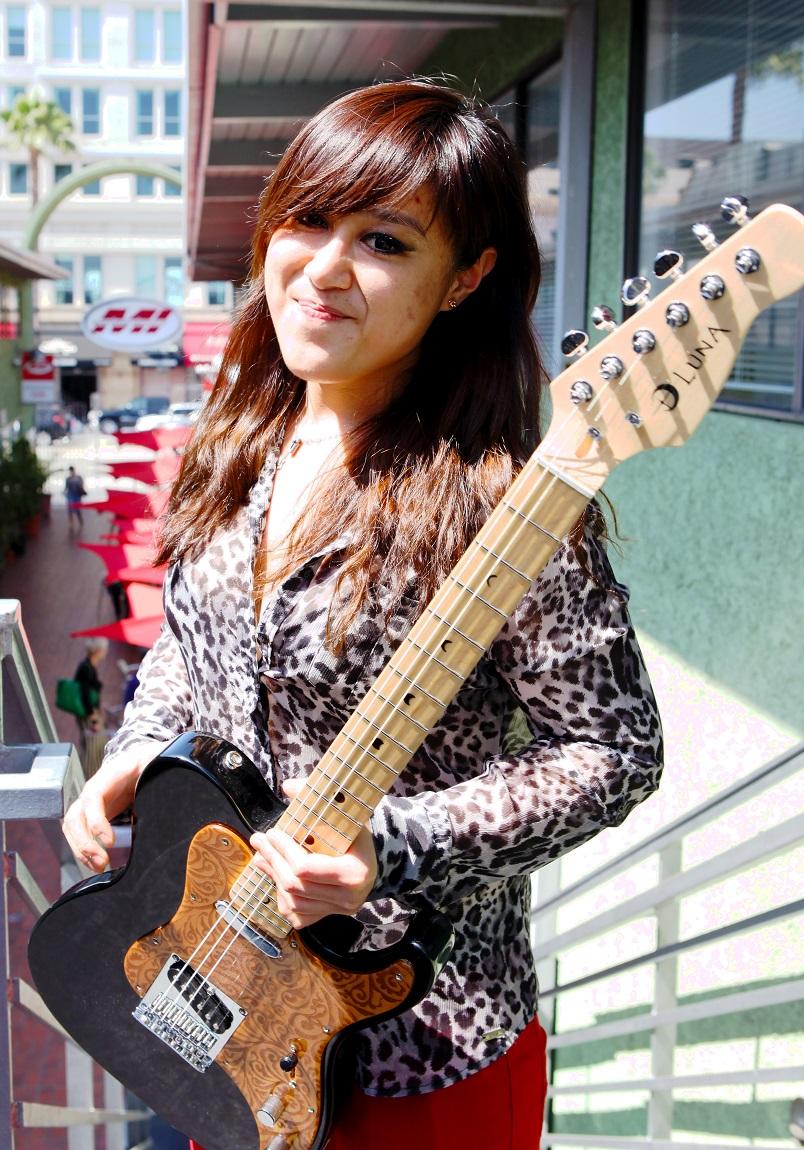 female guitarist liangliang lu wins guitar scholarship at musicians institute guitar girl magazine. Black Bedroom Furniture Sets. Home Design Ideas