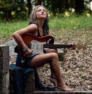 Blues Guitarist Pam Taylor