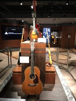 GIG Guitar Display