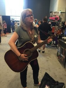 Tara Low at SNAMM2017 with Revo Guitar Strap
