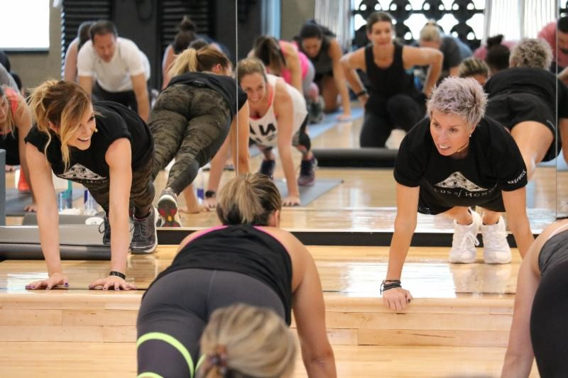 erin-oprea-and-lindsey-ell-at-life-time-fitness