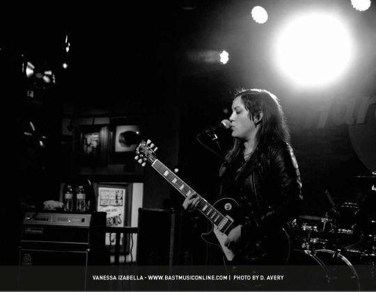 2018-guitar-girl-magazine-calendar-final-22-vanessa-izabella