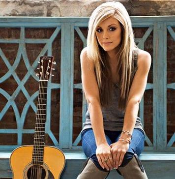 lindsay-ell_martin-guitars-sm-images