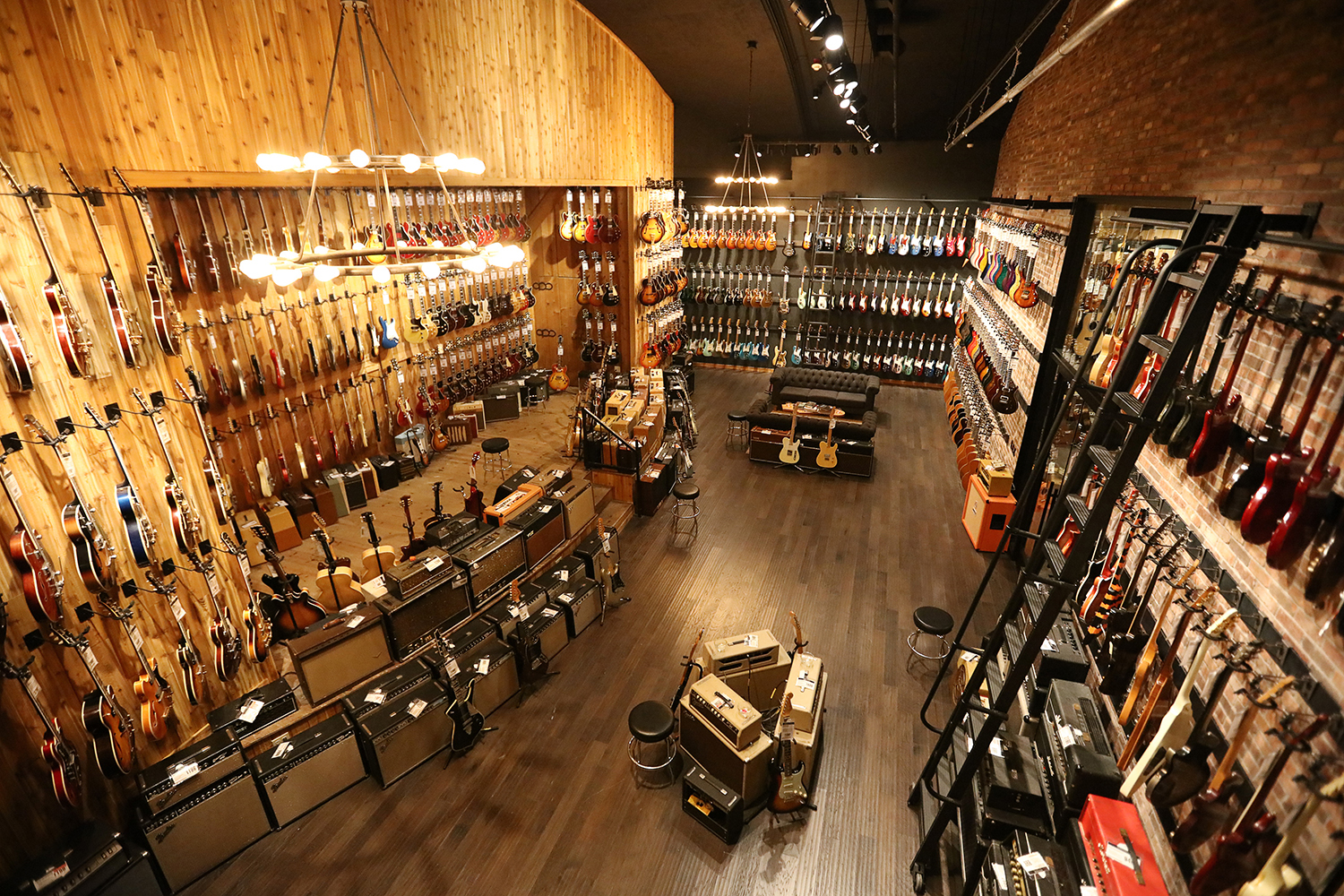 guitar center reimagines experiential retail with rebirth of its iconic flagship hollywood store. Black Bedroom Furniture Sets. Home Design Ideas
