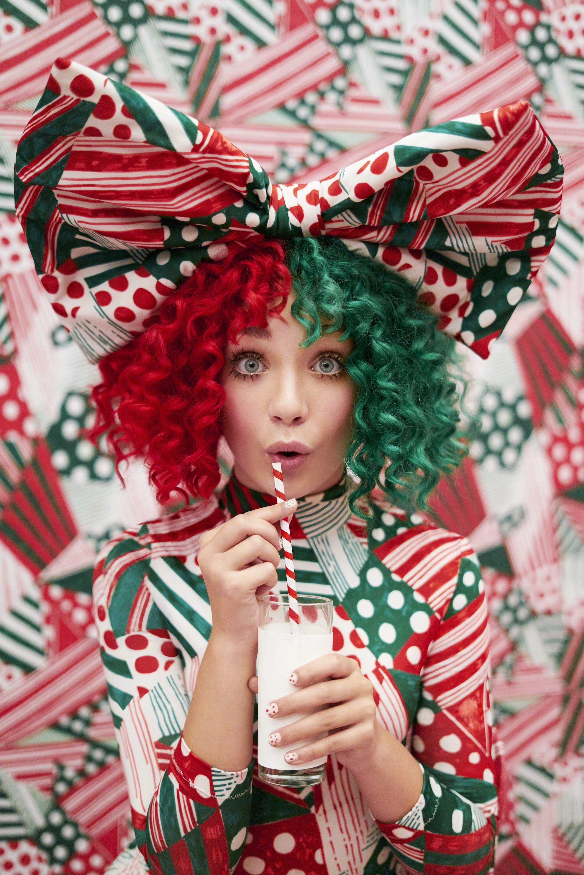 Target Christmas Commercial 2018.Sia Releases Deluxe Edition Of Everyday Is Christmas Album