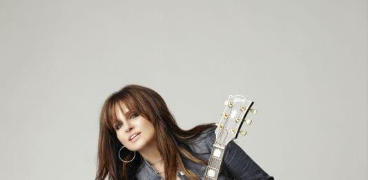 deborah allen with gibson guitar